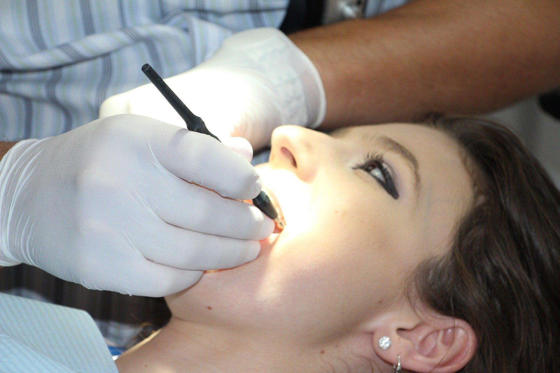 Médecin-dentiste Berdj Haroutunian