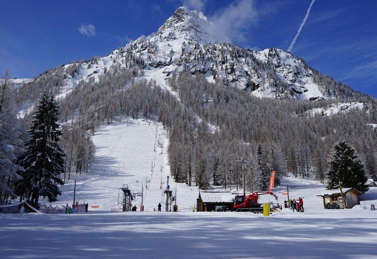 Ski area La Poya